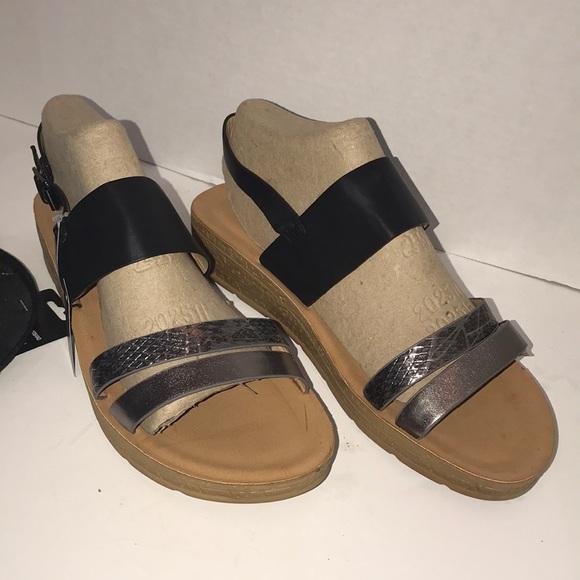 7638e95be38d Henry Ferrera Women s Wedge Sandals Black  Pewter